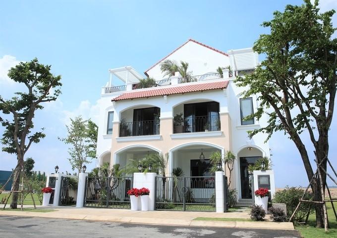 Tiến Luật, Thu Trang mê nhà phố phong cách Địa Trung Hải