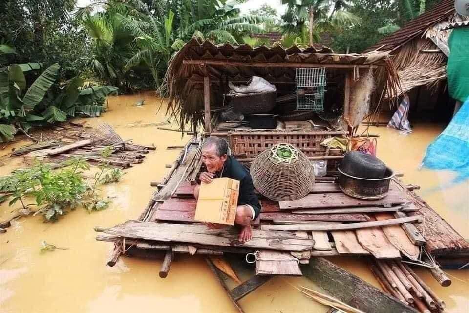 MGROUP chung tay ủng hộ đồng bào Miền Trung khắc phục hậu quả lũ lụt