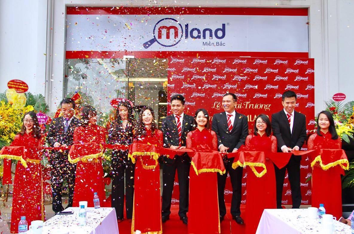 MLAND miền Bắc tặng 16 xe SH cho nhân viên nhân dịp khai trương trụ sở chính tại Hà Nội