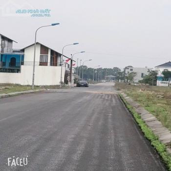 Bán Đất Đẹp Khu C Bìa Cá Nhân Khu Đô Thị Nguyễn Sinh Cung- Cửa Lò. - 555544
