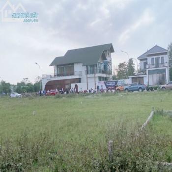 Bán Đất Đẹp Khu C Bìa Cá Nhân Khu Đô Thị Nguyễn Sinh Cung- Cửa Lò. - 555547