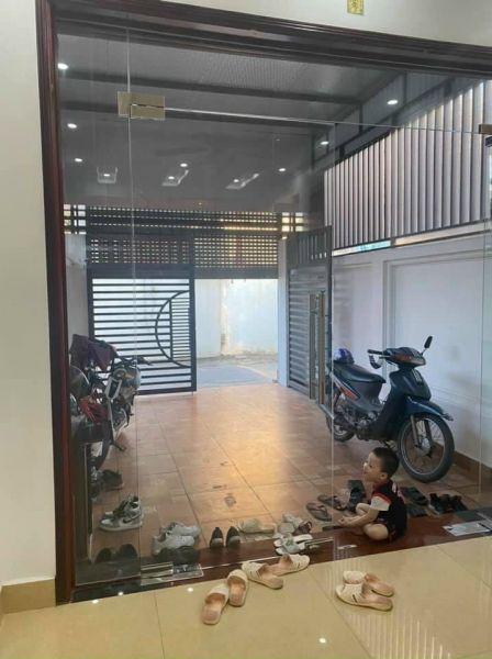 Cần Bán Nhà Phố An Ninh, Tp Hd 3 Tầng, 94.4M2, 4 Ngủ, Có Sân Cổng Gara, Chỉ 2 Tỷ 750 Tr - 558421
