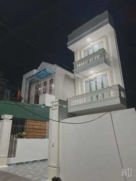 Bán Nhà Phố Nguyễn Hữu Cầu, Ph Ngọc Châu, Tp Hd, 3 Tầng, 137M2, Sân Vườn, Chỉ 3.25 Tỷ - 562846