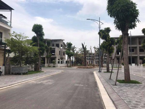 Bán Biệt Thự Ecopark Hải Dương, 200M2, 3 Tầng, Hoàn Thiện Xây Thô, Mt 10M, Giá Cực Tốt, Vip - 563212
