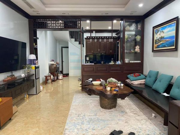 Bán Nhà Phố Trần Thái Tông, 325M2, Mặt Tiền 12M, 50 Ngủ, Doanh Thu Cao 265 Triệu. - 563554